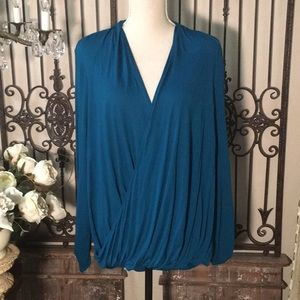 NWT..... Two by Vince Camuto Top